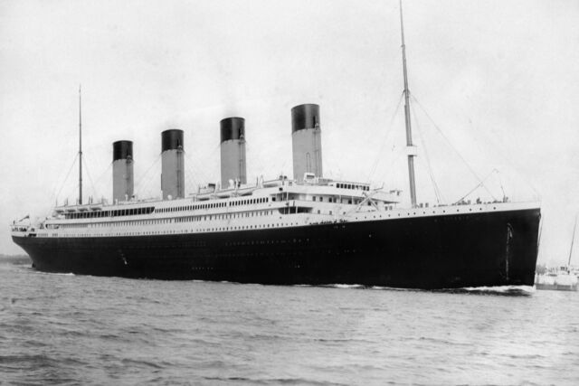 RMS <em>Titanic</em> departing Southampton on April 10, 1912.