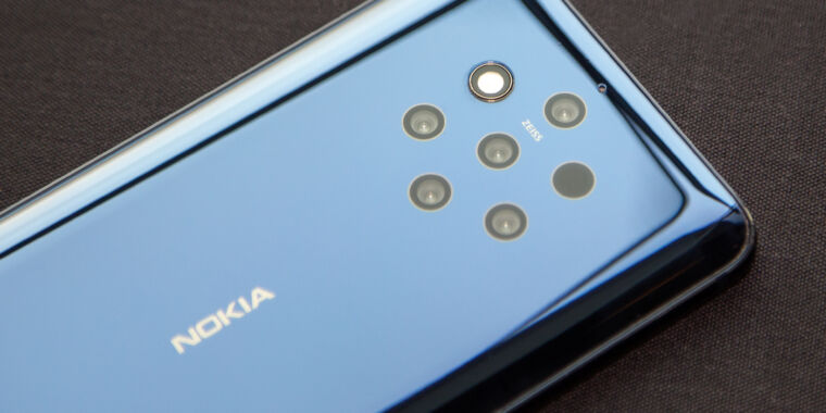 Light, the company behind the Nokia 9 camera, quits the smartphone business thumbnail
