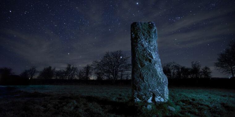 Incestuous kings may have built Ireland's Newgrange passage tomb thumbnail