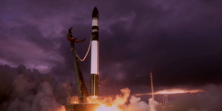 Rocket Report: Another no-go for MOMO rocket, SpaceX invests in McGregor thumbnail