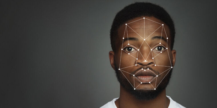 Police arrested wrong man based on facial recognition fail, ACLU says thumbnail