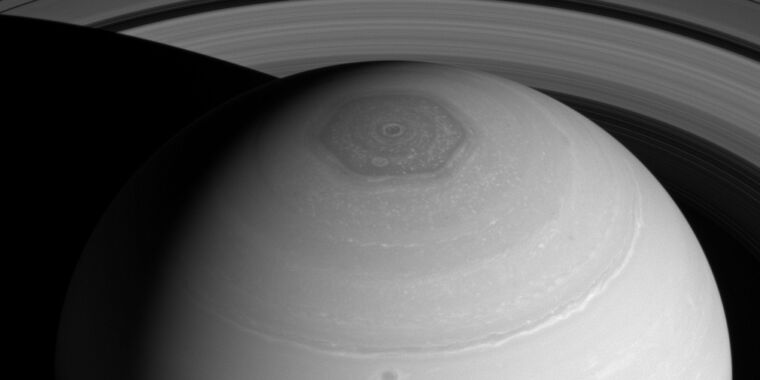 What causes Saturn's strange polar cloud hexagon? thumbnail