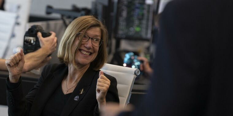 NASA's new chief of human spaceflight has a commercial background thumbnail