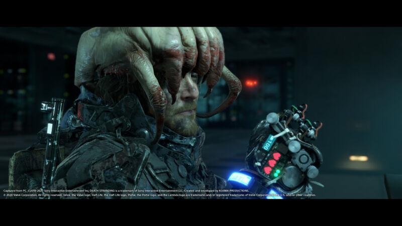 Death Stranding PC screenshot: the main character wearing a Half-Life headcrab as a hat