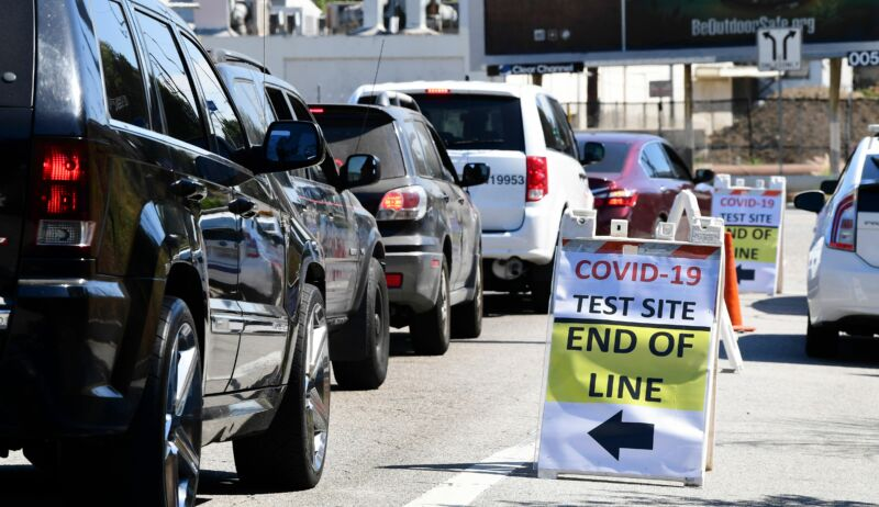 Vehicles make their way to a COVID-19 test site in Los Angeles, California on July 21, 2020. California on July 21 reported a total of 400,769 COVID-19 cases since the pandemic began, approaching the numbers of New York, the state with the most cases.
