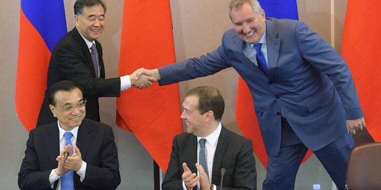 Russian space chief questions NASA plans, praises partnership with China thumbnail