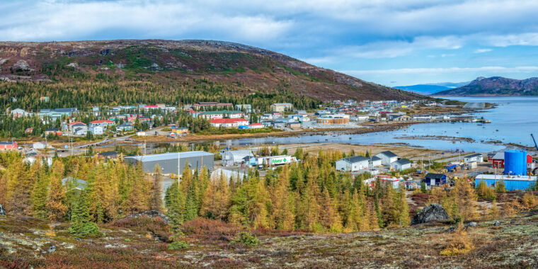 photo of How cell phones and Facebook are changing remote Nunatsiavut image