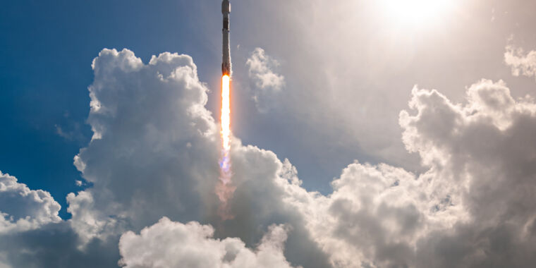 Even amid a pandemic, SpaceX is launching more than ever thumbnail
