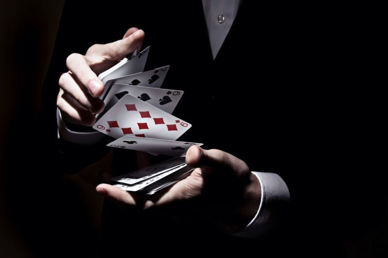 The majority of study participants who watched either a video or live performance of a magician performing a card trick chose the suit, number, or exact card they were primed to choose.