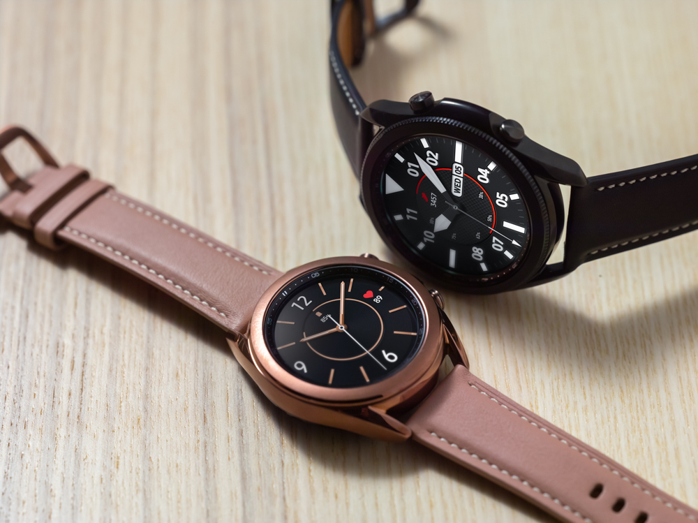 The Galaxy Watch 3 in Mystic Bronze and Mystic Black.