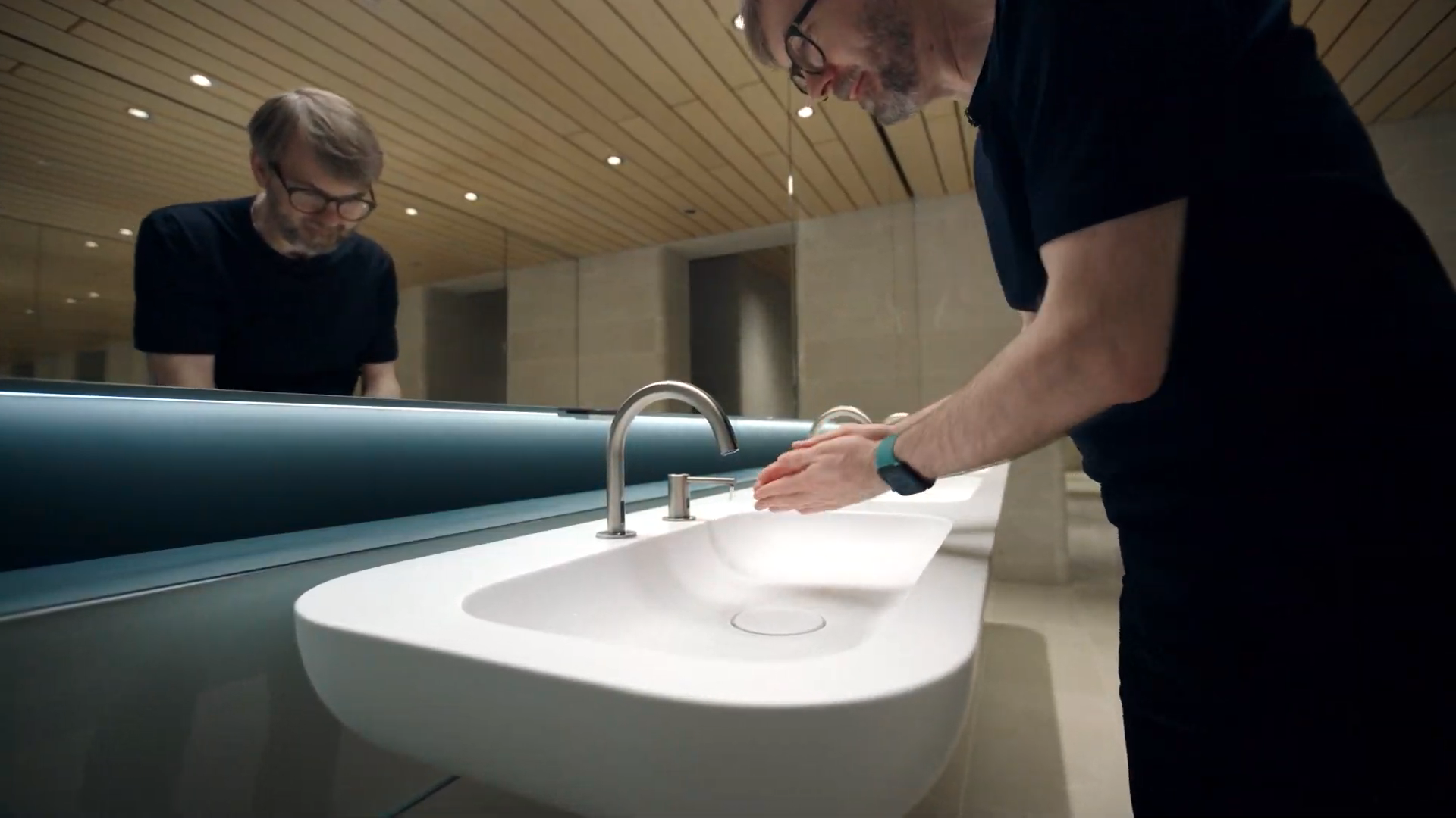 AI is behind Apple's handwashing assistance feature in the Apple Watch.