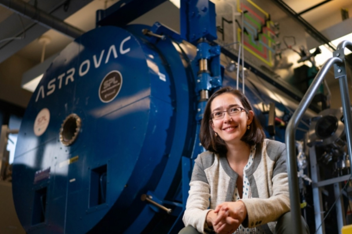 Carmen Guerra-Garcia, an assistant professor of aeronautics and astronautics at MIT, is the lead author of a new study analyzing the effect of wind on ungrounded corona discharges.