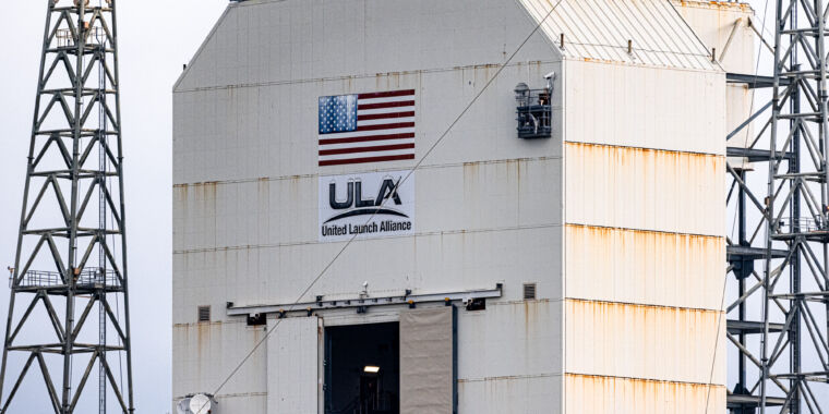 Delta IV Heavy rocket delayed again, raising concerns of aging infrastructure