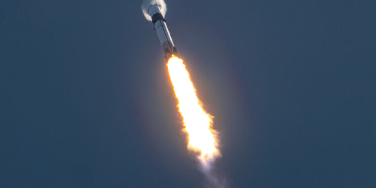 SpaceX launches 12th Starlink mission, says users getting 100 Mbps downloads