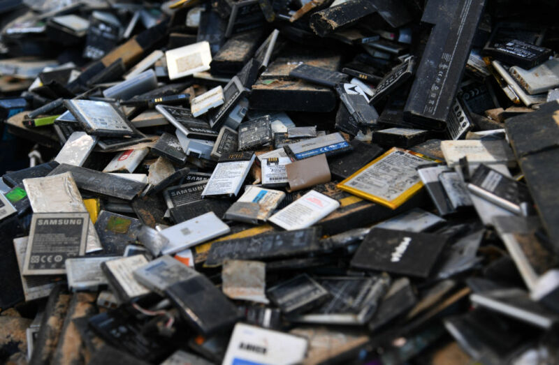 Empty phone batteries are sorted by the company Accurec Recycling GmbH.