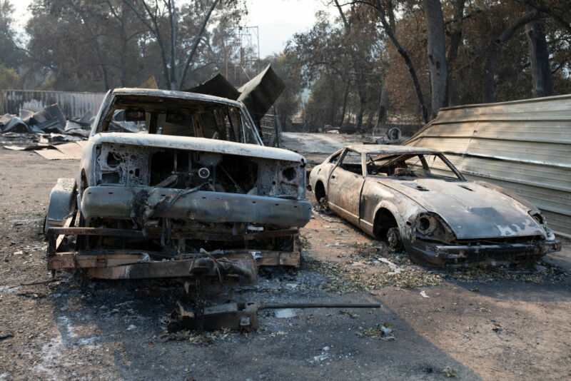 Photo taken on Aug. 28, 2020 shows the wreckage at the site where a wildfire swept through in Vacaville of Solano County in northern California.