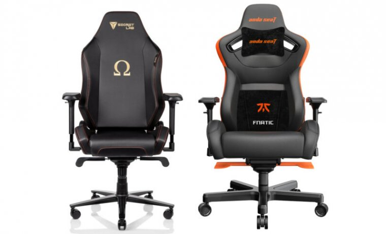 The Secretlab Omega (left) made a better first impression, but Anda Fnatic (right) won me over in the end.