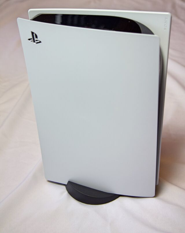 PS5 unboxing: Sony's big, curvy boy stands out in any room