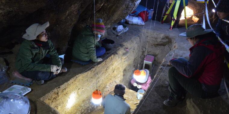 Ancient skull a new window on human migrations, Denisovan meetings thumbnail