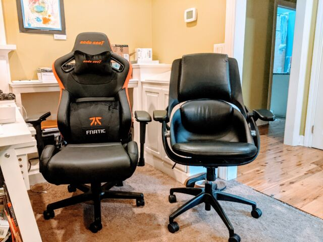 Left: Anda Fnatic gaming chair. Right: All33 Backstrong C1.