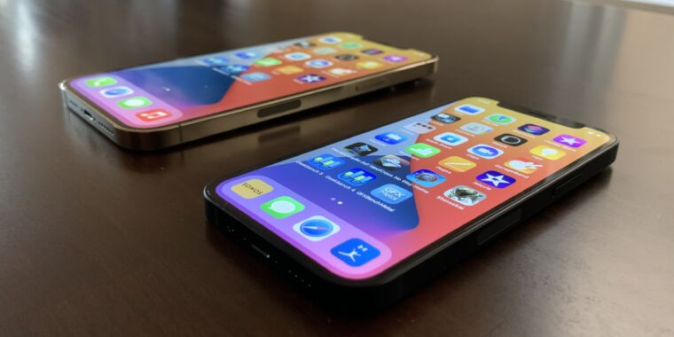 Iphone 12 Mini Iphone 12 Pro Max Hands On How They Compare With The 12 And 12 Pro Ars Technica