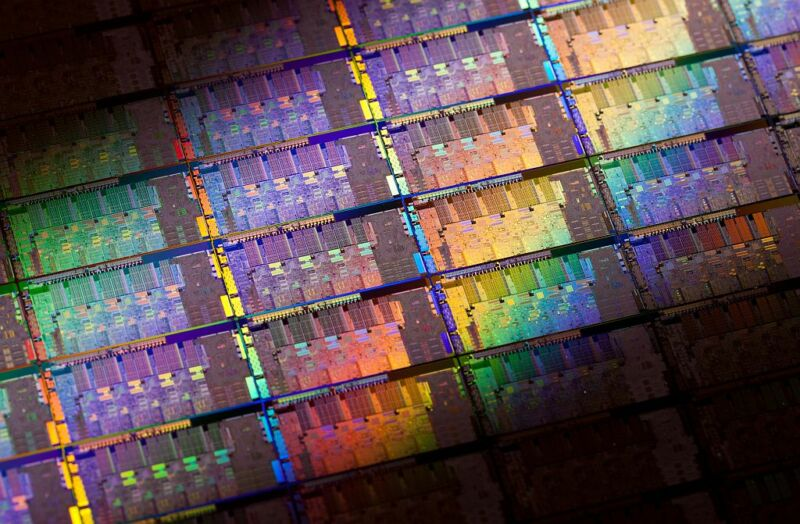 Intel SGX defeated yet again—this time thanks to on-chip power meter