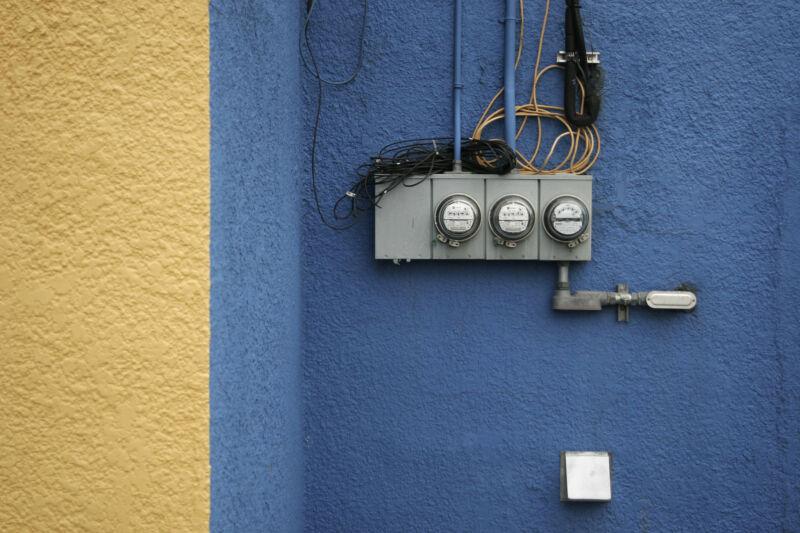 Exterior power meter.