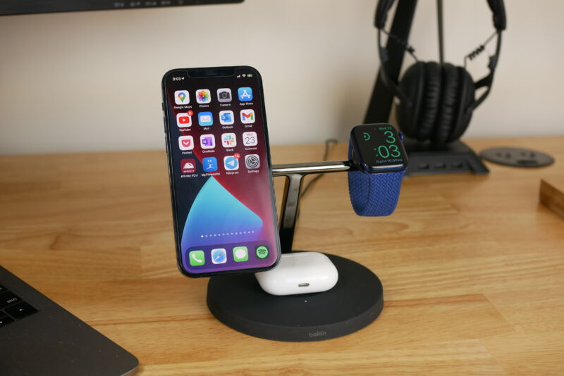 the iphone 12 apple watch and airpods charge on belkins 3 in 1 wireless charger