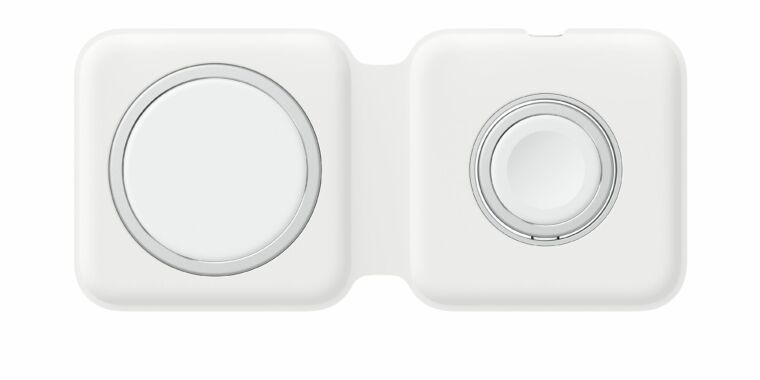 Apple's MagSafe Duo charger finally shows up in online stores thumbnail