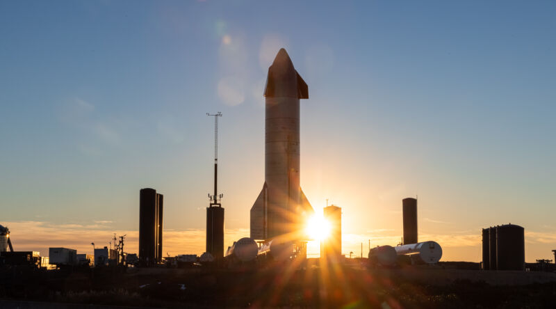 Image of Starship on the launch pad.