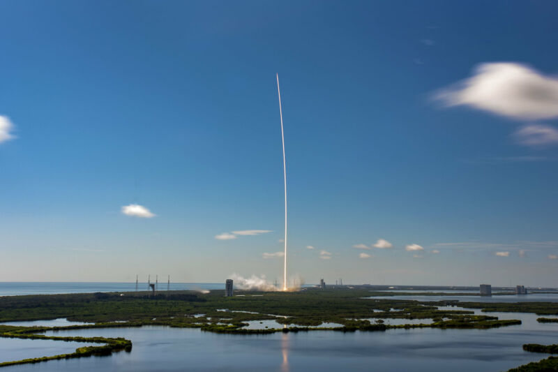 A Falcon 9 rocket launches five dozen Starlink satellites on August 18, 2020.