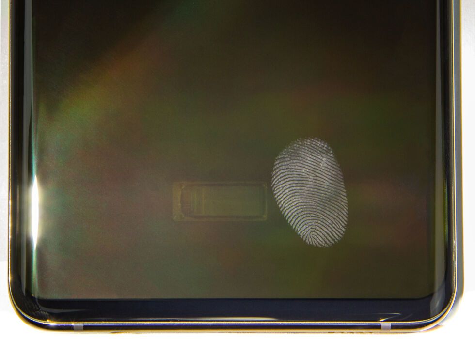 Qualcomm's first generation sensor on the Galaxy S10 with fingerprints.  The S20 had the same sensor.