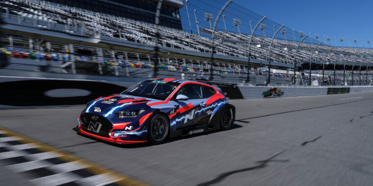 An electric race car has lapped Daytona for the first time thumbnail