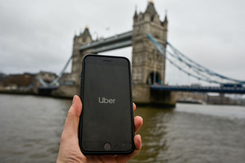 UK Supreme Court says Uber drivers are not independent contractors