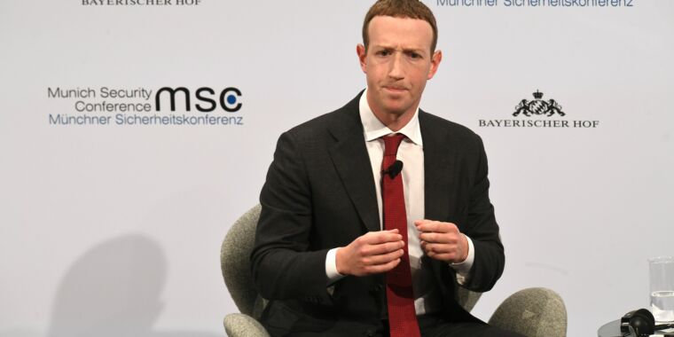 Facebook goes nuclear, banning all news posts in Australia thumbnail