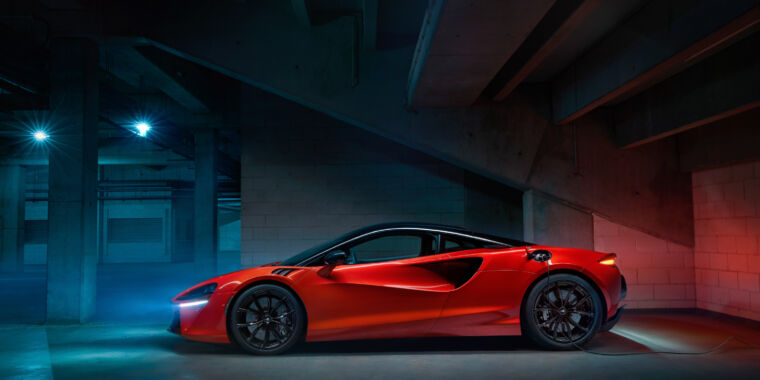 McLaren drops the V8, moves to V6 plug-in hybrid for its next supercar - Ars Technica