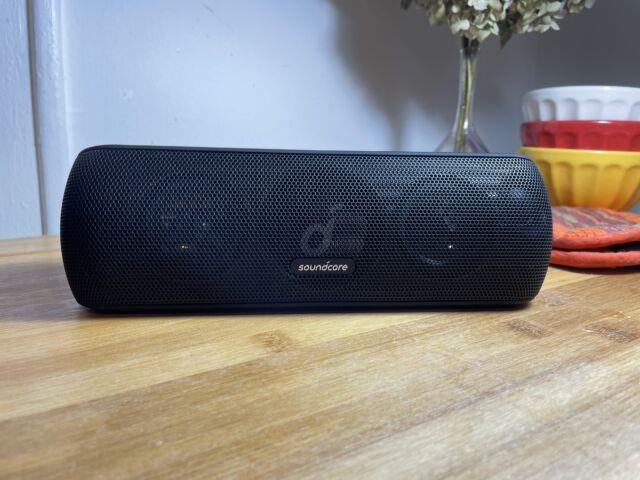 Anker's Soundcore Motion Plus is a full-sounding Bluetooth speaker that won't break the bank.