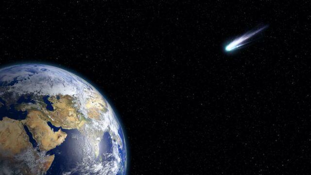 Mākslinieka zīmējums, kurā komēta ir vērsta uz Zemi.