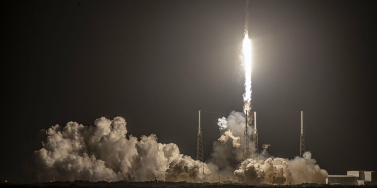 Rocket Report: SpaceX explains landing failure, more on New Glenn waits thumbnail