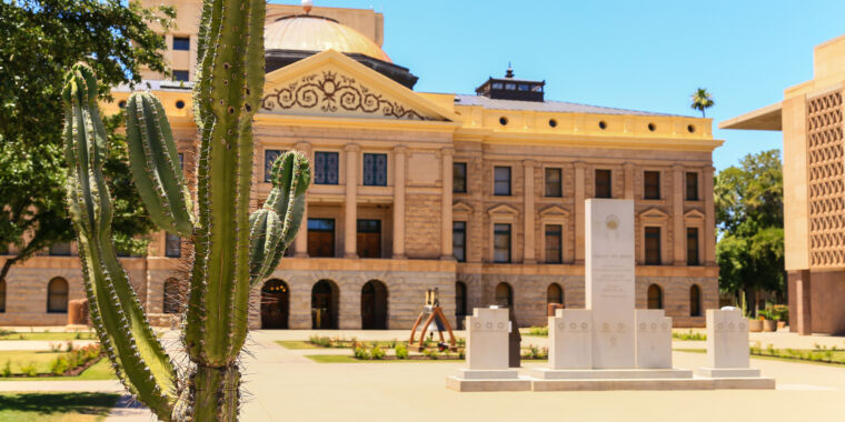 Arizona House advances bill targeting Apple, Google mobile app stores - Ars Technica