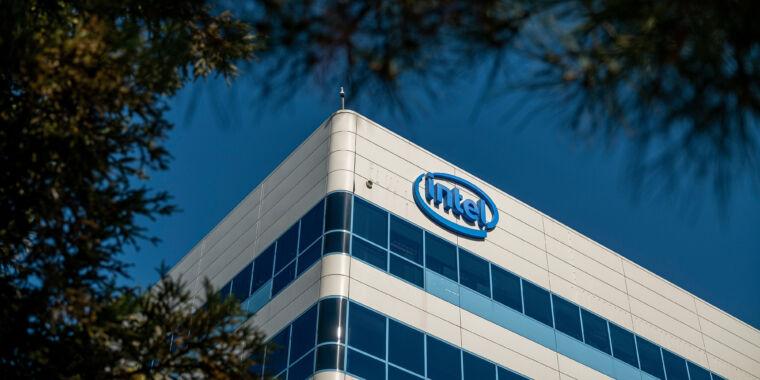 Intel hit with $2.2 billion patent judgment thumbnail