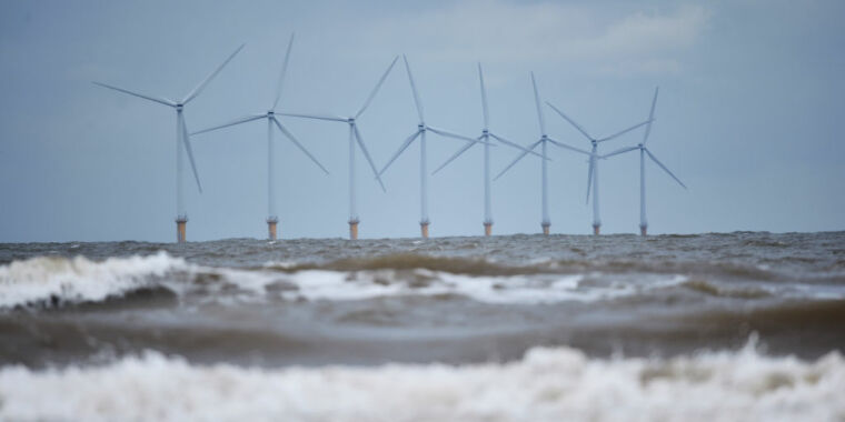 Biden administration launches big push for offshore wind thumbnail