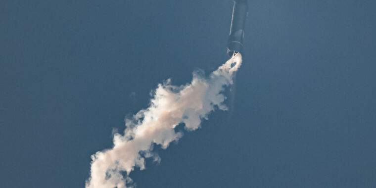 Rocket Report: SpaceX readies Super Heavy, Russia tests new engine thumbnail