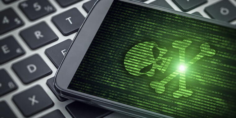 Facebook shuts down hackers who infected iOS and Android devices thumbnail