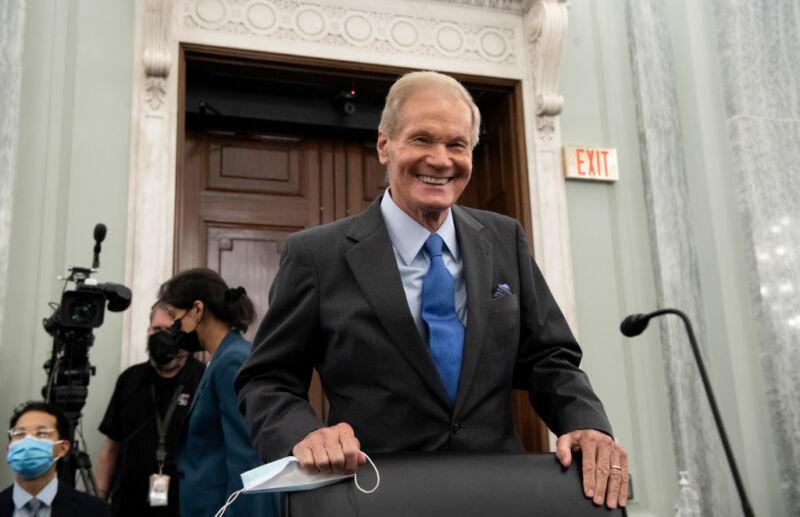 Bill Nelson backs NASA decision on lunar lander in confirmation hearing