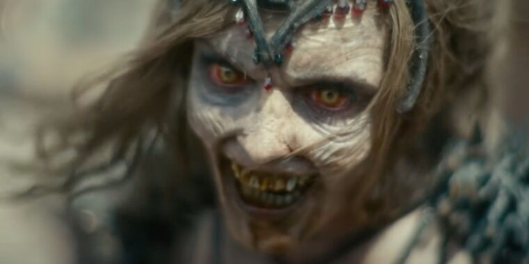 Review: Zombie heist thriller Army of the Dead is Zack Snyder at his best thumbnail