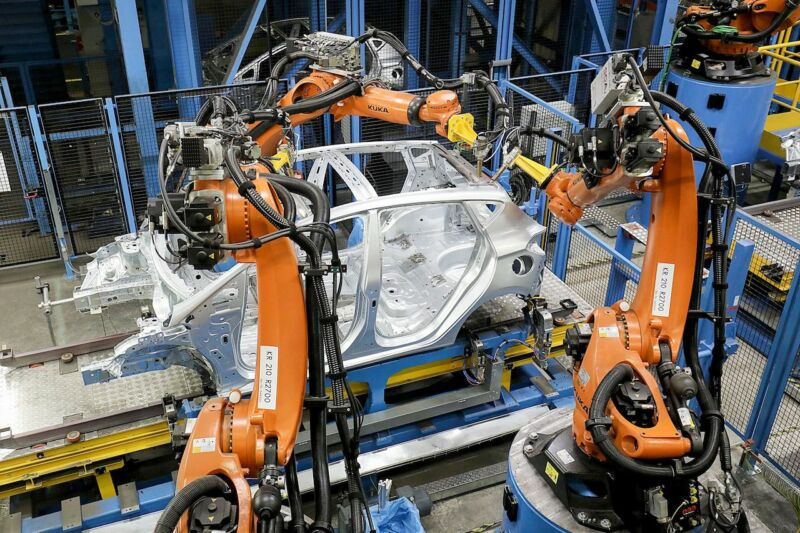 Ford is adding artificial intelligence to its robotic assembly lines.
