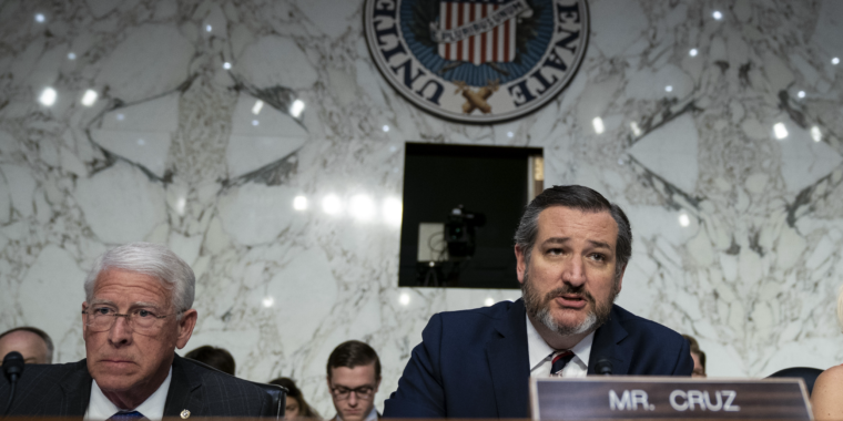 <p>Republicans and Democrats increasingly agree: Big Tech is too Strong thumbnail