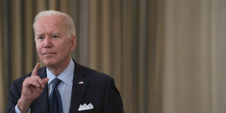 Biden shifts strategy as national vaccination rate continues to slow thumbnail