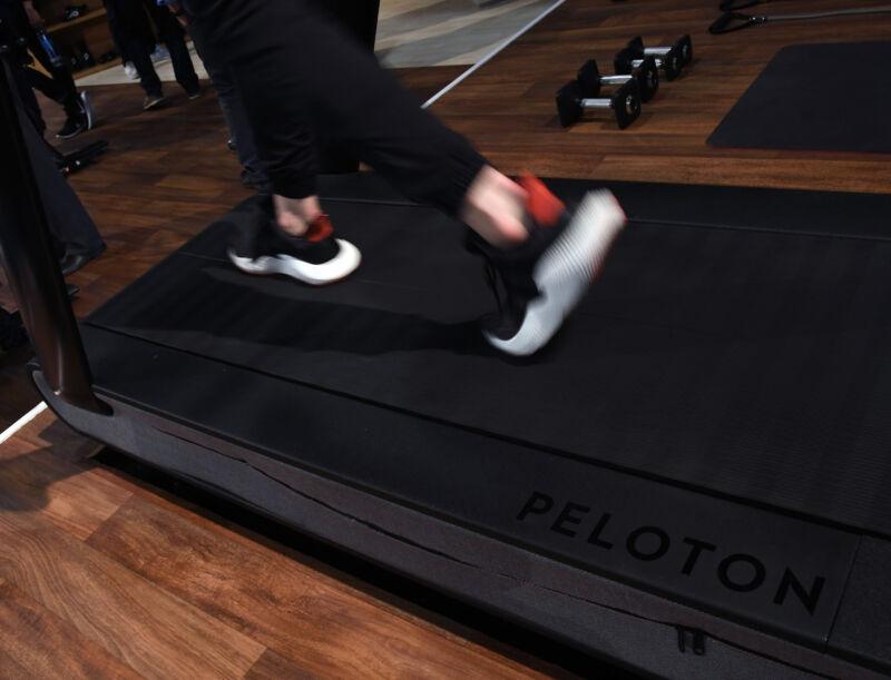 تردمیل آج Peloton در طی CES 2018 در مرکز همایش های لاس وگاس در 11 ژانویه 2018.